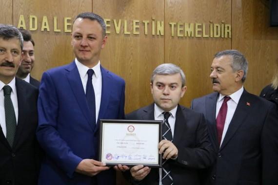 Dr. Ömer Selim Alan Mazbatasını Aldı