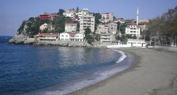 Kapuz plajında sezon açıldı
